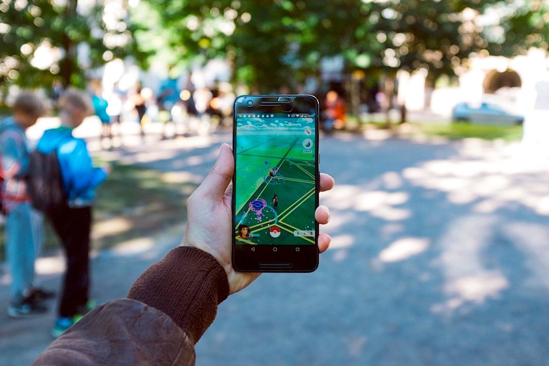 Imagen de un smartphone con una app de realidad virtual
